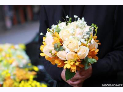 -24h chuyên dịch vụ cưới hỏi: trang trí nhà đám cưới hỏi, nhà hàng tiệc cưới, nhân sự bưng mâm quả, cổng hoa, xe hoa, cắt dán chữ và tin tức cưới hỏi: đám cưới sao, lập kế hoạch cưới, làm đẹp ngày cưới- Không gian tiệc cưới Noel của Huyền Lizzie