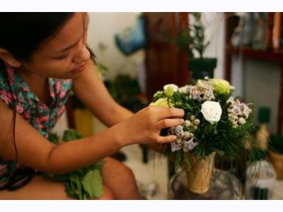 -24h chuyên dịch vụ cưới hỏi: trang trí nhà đám cưới hỏi, nhà hàng tiệc cưới, nhân sự bưng mâm quả, cổng hoa, xe hoa, cắt dán chữ và tin tức cưới hỏi: đám cưới sao, lập kế hoạch cưới, làm đẹp ngày cưới- Phương Vy chia sẻ hậu trường đám cưới