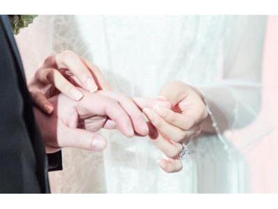 -24h chuyên dịch vụ cưới hỏi: trang trí nhà đám cưới hỏi, nhà hàng tiệc cưới, nhân sự bưng mâm quả, cổng hoa, xe hoa, cắt dán chữ và tin tức cưới hỏi: đám cưới sao, lập kế hoạch cưới, làm đẹp ngày cưới- Kiều nữ TVB bí mật lên xe hoa với vị CEO hơn 13 tuổi
