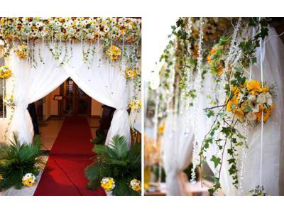 -24h chuyên dịch vụ cưới hỏi: trang trí nhà đám cưới hỏi, nhà hàng tiệc cưới, nhân sự bưng mâm quả, cổng hoa, xe hoa, cắt dán chữ và tin tức cưới hỏi: đám cưới sao, lập kế hoạch cưới, làm đẹp ngày cưới- Tiệc cưới rực rỡ bên hồ bơi ở Sài Gòn