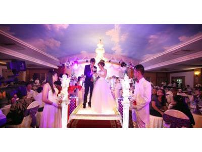 -24h chuyên dịch vụ cưới hỏi: trang trí nhà đám cưới hỏi, nhà hàng tiệc cưới, nhân sự bưng mâm quả, cổng hoa, xe hoa, cắt dán chữ và tin tức cưới hỏi: đám cưới sao, lập kế hoạch cưới, làm đẹp ngày cưới- Nhà trai cử đại diện dự tiệc nhà gái