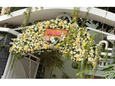 -24h chuyên dịch vụ cưới hỏi: trang trí nhà đám cưới hỏi, nhà hàng tiệc cưới, nhân sự bưng mâm quả, cổng hoa, xe hoa, cắt dán chữ và tin tức cưới hỏi: đám cưới sao, lập kế hoạch cưới, làm đẹp ngày cưới- Tìm hiểu các nghi lễ cần có ở đám cưới