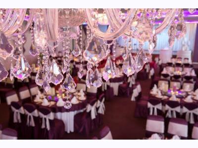 -24h chuyên dịch vụ cưới hỏi: trang trí nhà đám cưới hỏi, nhà hàng tiệc cưới, nhân sự bưng mâm quả, cổng hoa, xe hoa, cắt dán chữ và tin tức cưới hỏi: đám cưới sao, lập kế hoạch cưới, làm đẹp ngày cưới- 5 tiêu chí giúp chọn địa điểm tổ chức cưới hoàn hảo