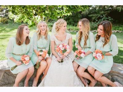 -24h chuyên dịch vụ cưới hỏi: trang trí nhà đám cưới hỏi, nhà hàng tiệc cưới, nhân sự bưng mâm quả, cổng hoa, xe hoa, cắt dán chữ và tin tức cưới hỏi: đám cưới sao, lập kế hoạch cưới, làm đẹp ngày cưới- Gam màu xanh lá cây nhẹ nhàng luôn mang tới cảm giác ngập tràn sức sống cho không gian tiệc cưới.