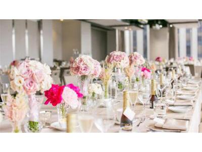 -24h chuyên dịch vụ cưới hỏi: trang trí nhà đám cưới hỏi, nhà hàng tiệc cưới, nhân sự bưng mâm quả, cổng hoa, xe hoa, cắt dán chữ và tin tức cưới hỏi: đám cưới sao, lập kế hoạch cưới, làm đẹp ngày cưới- Tiệc cưới tông màu ánh kim thời thượng