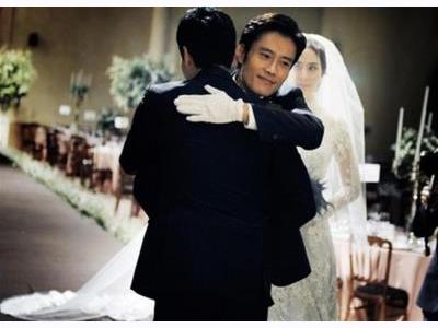 -24h chuyên dịch vụ cưới hỏi: trang trí nhà đám cưới hỏi, nhà hàng tiệc cưới, nhân sự bưng mâm quả, cổng hoa, xe hoa, cắt dán chữ và tin tức cưới hỏi: đám cưới sao, lập kế hoạch cưới, làm đẹp ngày cưới- Lee Byung Hun dắt em gái vào lễ đường