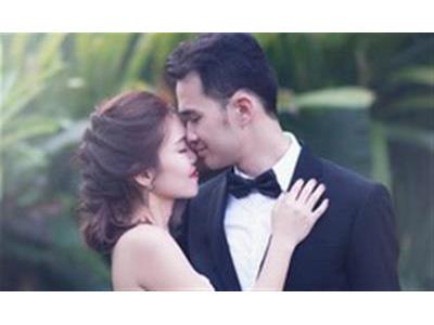 -24h chuyên dịch vụ cưới hỏi: trang trí nhà đám cưới hỏi, nhà hàng tiệc cưới, nhân sự bưng mâm quả, cổng hoa, xe hoa, cắt dán chữ và tin tức cưới hỏi: đám cưới sao, lập kế hoạch cưới, làm đẹp ngày cưới- Cặp đôi 1994 - 1995 chọn ngày cưới đầu năm 2016