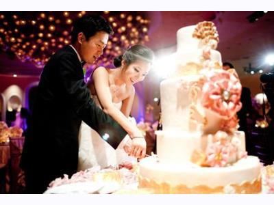 -24h chuyên dịch vụ cưới hỏi: trang trí nhà đám cưới hỏi, nhà hàng tiệc cưới, nhân sự bưng mâm quả, cổng hoa, xe hoa, cắt dán chữ và tin tức cưới hỏi: đám cưới sao, lập kế hoạch cưới, làm đẹp ngày cưới- Điều không thể thiếu khi cưới trong một tháng