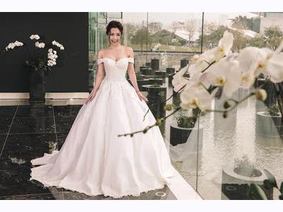 -24h chuyên dịch vụ cưới hỏi: trang trí nhà đám cưới hỏi, nhà hàng tiệc cưới, nhân sự bưng mâm quả, cổng hoa, xe hoa, cắt dán chữ và tin tức cưới hỏi: đám cưới sao, lập kế hoạch cưới, làm đẹp ngày cưới- Gợi ý váy cưới đính ren tinh xảo cho tân nương