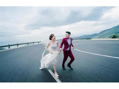 -24h chuyên dịch vụ cưới hỏi: trang trí nhà đám cưới hỏi, nhà hàng tiệc cưới, nhân sự bưng mâm quả, cổng hoa, xe hoa, cắt dán chữ và tin tức cưới hỏi: đám cưới sao, lập kế hoạch cưới, làm đẹp ngày cưới- Chủ nhân hôn lễ 10 tỷ đồng khoe ảnh cưới
