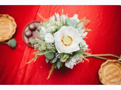 -24h chuyên dịch vụ cưới hỏi: trang trí nhà đám cưới hỏi, nhà hàng tiệc cưới, nhân sự bưng mâm quả, cổng hoa, xe hoa, cắt dán chữ và tin tức cưới hỏi: đám cưới sao, lập kế hoạch cưới, làm đẹp ngày cưới- Mang nét truyền thống vào lễ ăn hỏi hiện đại bằng hoa sen trắng