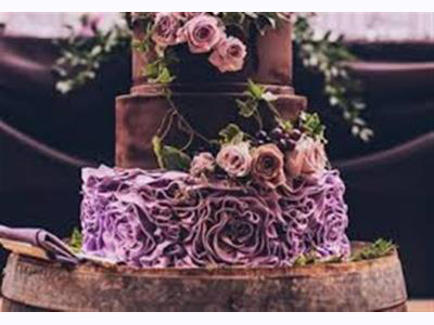 -24h chuyên dịch vụ cưới hỏi: trang trí nhà đám cưới hỏi, nhà hàng tiệc cưới, nhân sự bưng mâm quả, cổng hoa, xe hoa, cắt dán chữ và tin tức cưới hỏi: đám cưới sao, lập kế hoạch cưới, làm đẹp ngày cưới- Ấn tượng bánh cưới màu đen