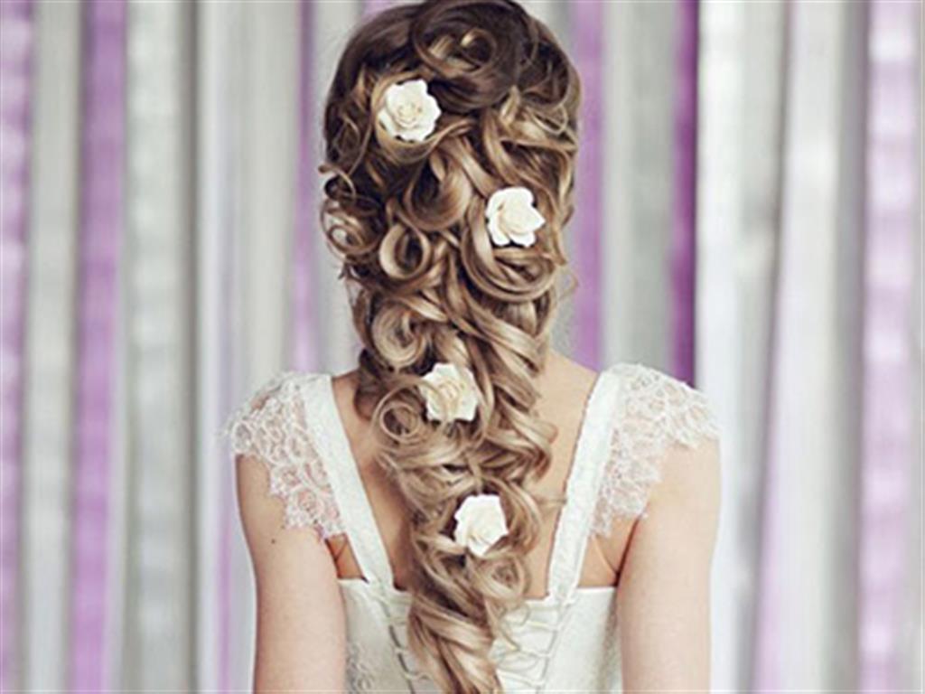 -24h chuyên dịch vụ cưới hỏi: trang trí nhà đám cưới hỏi, nhà hàng tiệc cưới, nhân sự bưng mâm quả, cổng hoa, xe hoa, cắt dán chữ và tin tức cưới hỏi: đám cưới sao, lập kế hoạch cưới, làm đẹp ngày cưới- 11 kiểu tóc sang trọng cho cô dâu