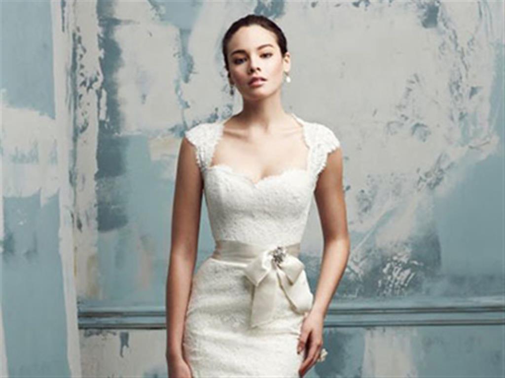 -24h chuyên dịch vụ cưới hỏi: trang trí nhà đám cưới hỏi, nhà hàng tiệc cưới, nhân sự bưng mâm quả, cổng hoa, xe hoa, cắt dán chữ và tin tức cưới hỏi: đám cưới sao, lập kế hoạch cưới, làm đẹp ngày cưới- Chọn kiểu tóc cho từng loại váy cưới