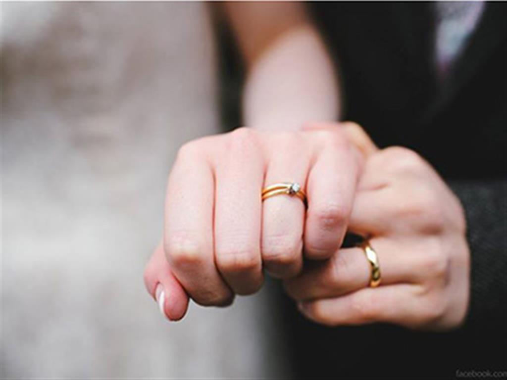 -24h chuyên dịch vụ cưới hỏi: trang trí nhà đám cưới hỏi, nhà hàng tiệc cưới, nhân sự bưng mâm quả, cổng hoa, xe hoa, cắt dán chữ và tin tức cưới hỏi: đám cưới sao, lập kế hoạch cưới, làm đẹp ngày cưới- Chọn nhẫn đính hôn tinh tế như sao Hollywood