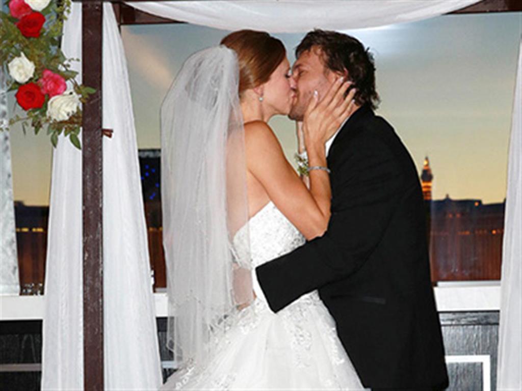 -24h chuyên dịch vụ cưới hỏi: trang trí nhà đám cưới hỏi, nhà hàng tiệc cưới, nhân sự bưng mâm quả, cổng hoa, xe hoa, cắt dán chữ và tin tức cưới hỏi: đám cưới sao, lập kế hoạch cưới, làm đẹp ngày cưới- Chồng cũ Britney Spears khoe ảnh cưới vui nhộn