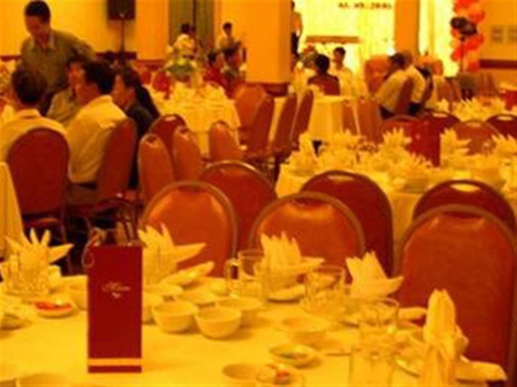 -24h chuyên dịch vụ cưới hỏi: trang trí nhà đám cưới hỏi, nhà hàng tiệc cưới, nhân sự bưng mâm quả, cổng hoa, xe hoa, cắt dán chữ và tin tức cưới hỏi: đám cưới sao, lập kế hoạch cưới, làm đẹp ngày cưới- Công nghệ cưới dây thun