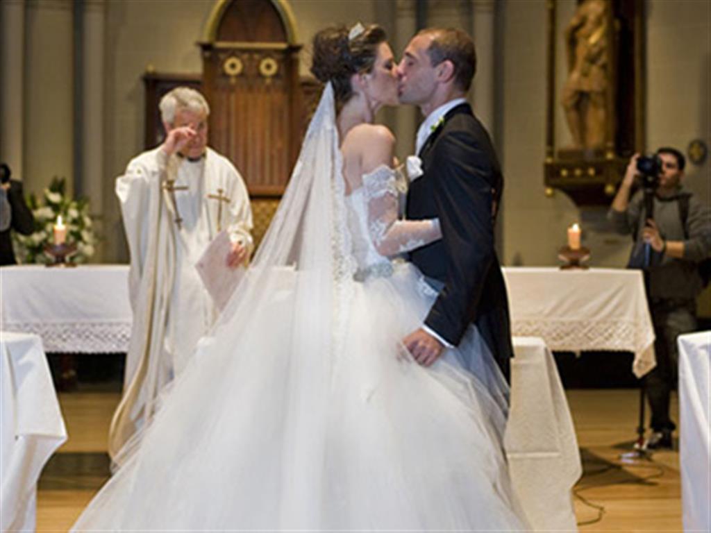 -24h chuyên dịch vụ cưới hỏi: trang trí nhà đám cưới hỏi, nhà hàng tiệc cưới, nhân sự bưng mâm quả, cổng hoa, xe hoa, cắt dán chữ và tin tức cưới hỏi: đám cưới sao, lập kế hoạch cưới, làm đẹp ngày cưới- Đám cưới mộng mơ của sao Man City