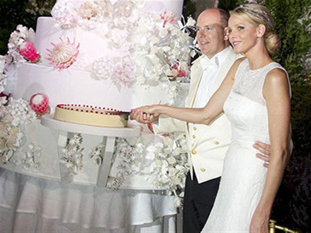 -24h chuyên dịch vụ cưới hỏi: trang trí nhà đám cưới hỏi, nhà hàng tiệc cưới, nhân sự bưng mâm quả, cổng hoa, xe hoa, cắt dán chữ và tin tức cưới hỏi: đám cưới sao, lập kế hoạch cưới, làm đẹp ngày cưới- Đám cưới xa hoa của Hoàng thân Monaco