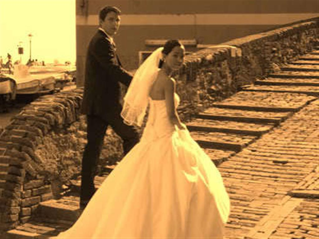 -24h chuyên dịch vụ cưới hỏi: trang trí nhà đám cưới hỏi, nhà hàng tiệc cưới, nhân sự bưng mâm quả, cổng hoa, xe hoa, cắt dán chữ và tin tức cưới hỏi: đám cưới sao, lập kế hoạch cưới, làm đẹp ngày cưới- Màn cầu hôn lãng mạn của chú rể Tây