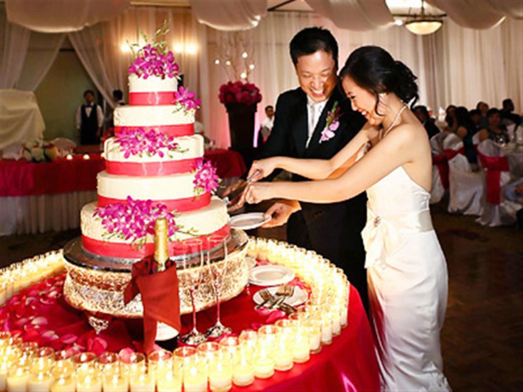 -24h chuyên dịch vụ cưới hỏi: trang trí nhà đám cưới hỏi, nhà hàng tiệc cưới, nhân sự bưng mâm quả, cổng hoa, xe hoa, cắt dán chữ và tin tức cưới hỏi: đám cưới sao, lập kế hoạch cưới, làm đẹp ngày cưới- Tránh chi phí phát sinh trong ngày cưới