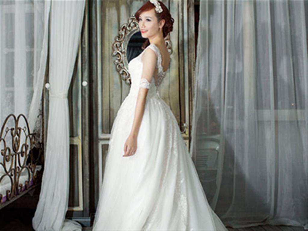 -24h chuyên dịch vụ cưới hỏi: trang trí nhà đám cưới hỏi, nhà hàng tiệc cưới, nhân sự bưng mâm quả, cổng hoa, xe hoa, cắt dán chữ và tin tức cưới hỏi: đám cưới sao, lập kế hoạch cưới, làm đẹp ngày cưới- Váy cưới xòe,