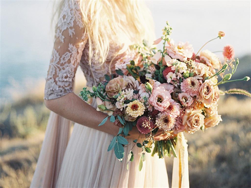 """-24h chuyên dịch vụ cưới hỏi: trang trí nhà đám cưới hỏi, nhà hàng tiệc cưới, nhân sự bưng mâm quả, cổng hoa, xe hoa, cắt dán chữ và tin tức cưới hỏi: đám cưới sao, lập kế hoạch cưới, làm đẹp ngày cưới- 6 loài hoa cưới đẹp mang ý nghĩa về """"Tình yêu vĩnh cữu"""""""