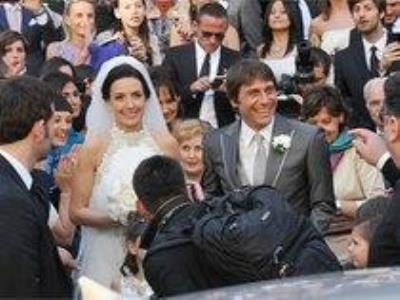 -24h chuyên dịch vụ cưới hỏi: trang trí nhà đám cưới hỏi, nhà hàng tiệc cưới, nhân sự bưng mâm quả, cổng hoa, xe hoa, cắt dán chữ và tin tức cưới hỏi: đám cưới sao, lập kế hoạch cưới, làm đẹp ngày cưới- Fan Juve phấn khích mừng đám cưới HLV Conte