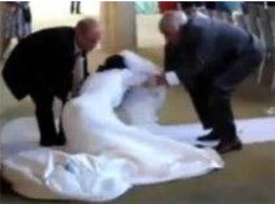 -24h chuyên dịch vụ cưới hỏi: trang trí nhà đám cưới hỏi, nhà hàng tiệc cưới, nhân sự bưng mâm quả, cổng hoa, xe hoa, cắt dán chữ và tin tức cưới hỏi: đám cưới sao, lập kế hoạch cưới, làm đẹp ngày cưới- 10 sự cố hài hước trong lễ cưới