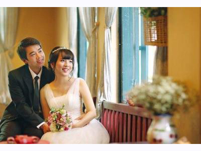 -24h chuyên dịch vụ cưới hỏi: trang trí nhà đám cưới hỏi, nhà hàng tiệc cưới, nhân sự bưng mâm quả, cổng hoa, xe hoa, cắt dán chữ và tin tức cưới hỏi: đám cưới sao, lập kế hoạch cưới, làm đẹp ngày cưới- Bí quyết khi cô dâu cưới vào mùa nóng