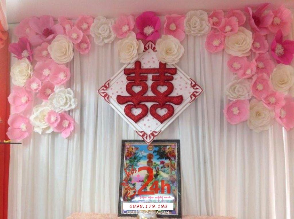 Dịch vụ cưới hỏi 24h trọn vẹn ngày vui chuyên trang trí nhà đám cưới hỏi và nhà hàng tiệc cưới | Bàn thờ gia tiên trang trí trong ngày cưới bằng hoa giấy trắng hồng