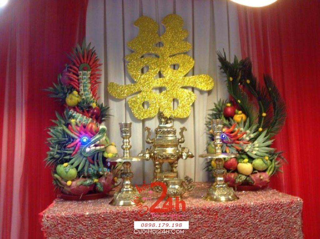 Dịch vụ cưới hỏi 24h trọn vẹn ngày vui chuyên trang trí nhà đám cưới hỏi và nhà hàng tiệc cưới | Bàn thờ gia tiên trang trí trong ngày cưới tông đỏ