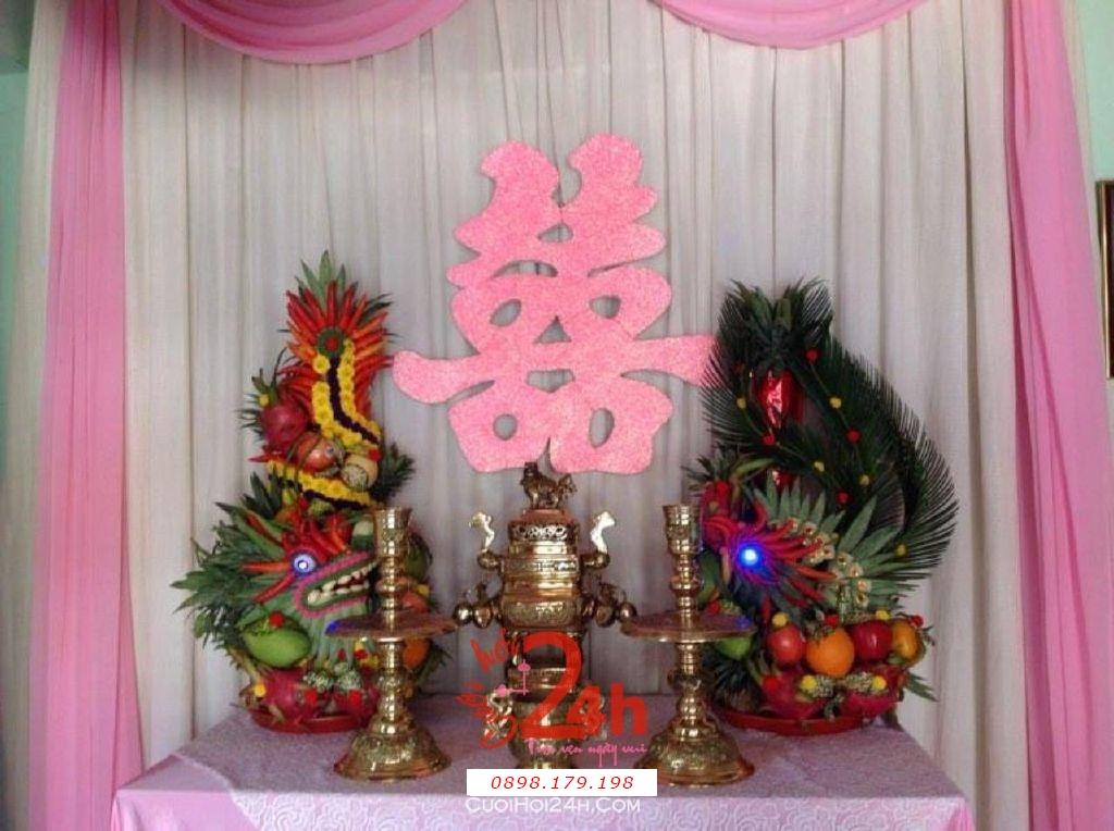 Dịch vụ cưới hỏi 24h trọn vẹn ngày vui chuyên trang trí nhà đám cưới hỏi và nhà hàng tiệc cưới | Bàn thờ gia tiên trang trí trong ngày cưới tông màu hồng phấn (1)