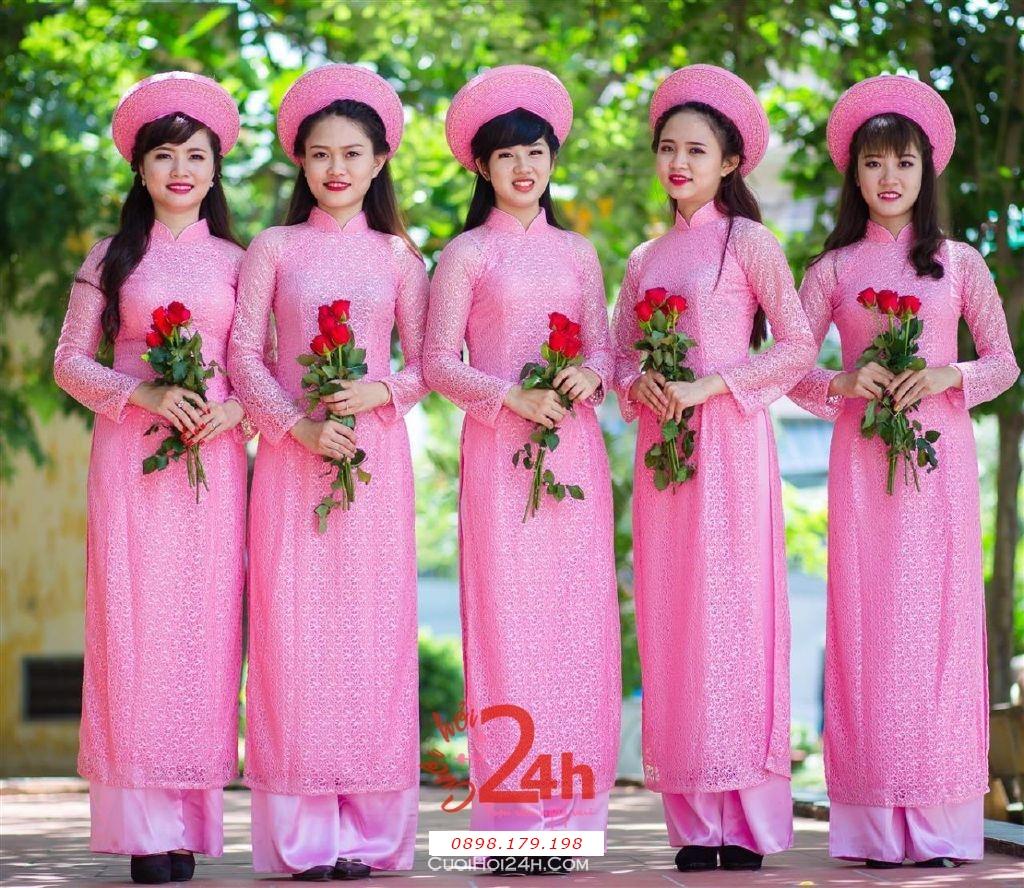 Dịch vụ cưới hỏi 24h trọn vẹn ngày vui chuyên trang trí nhà đám cưới hỏi và nhà hàng tiệc cưới | Cho thuê đội ngũ nhân sự bưng mâm quả nữ trong trang phục áo dài mới đẹp hiện đại (17)