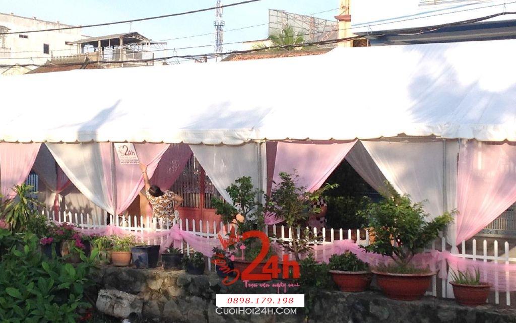 Dịch vụ cưới hỏi 24h trọn vẹn ngày vui chuyên trang trí nhà đám cưới hỏi và nhà hàng tiệc cưới | Cho thuê rạp cưới voan hàng rào tông trắng hồng nhẹ nhàng (2)