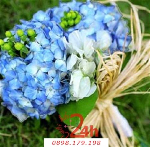 Dịch vụ cưới hỏi 24h trọn vẹn ngày vui chuyên trang trí nhà đám cưới hỏi và nhà hàng tiệc cưới | Hoa cầm tay cô dâu với hồng xanh