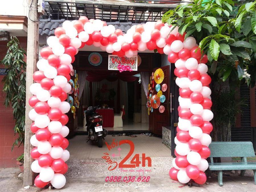 Dịch vụ cưới hỏi 24h trọn vẹn ngày vui chuyên trang trí nhà đám cưới hỏi và nhà hàng tiệc cưới | Cổng cưới bong bóng hình bầu hai màu trắng đỏ