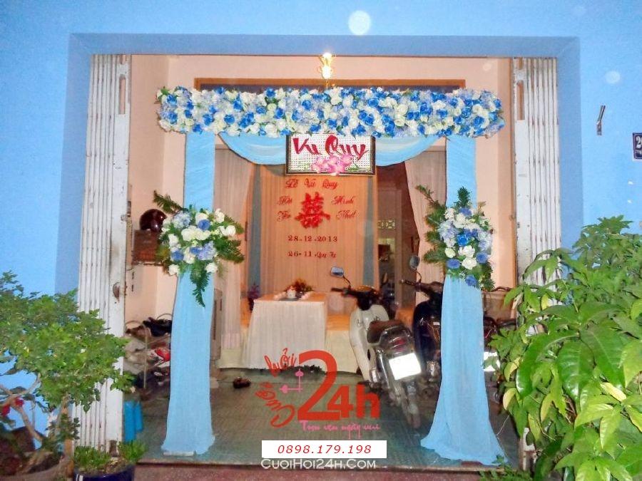 Dịch vụ cưới hỏi 24h trọn vẹn ngày vui chuyên trang trí nhà đám cưới hỏi và nhà hàng tiệc cưới | Cổng hoa vải hình chủ nhật tông xanh biển