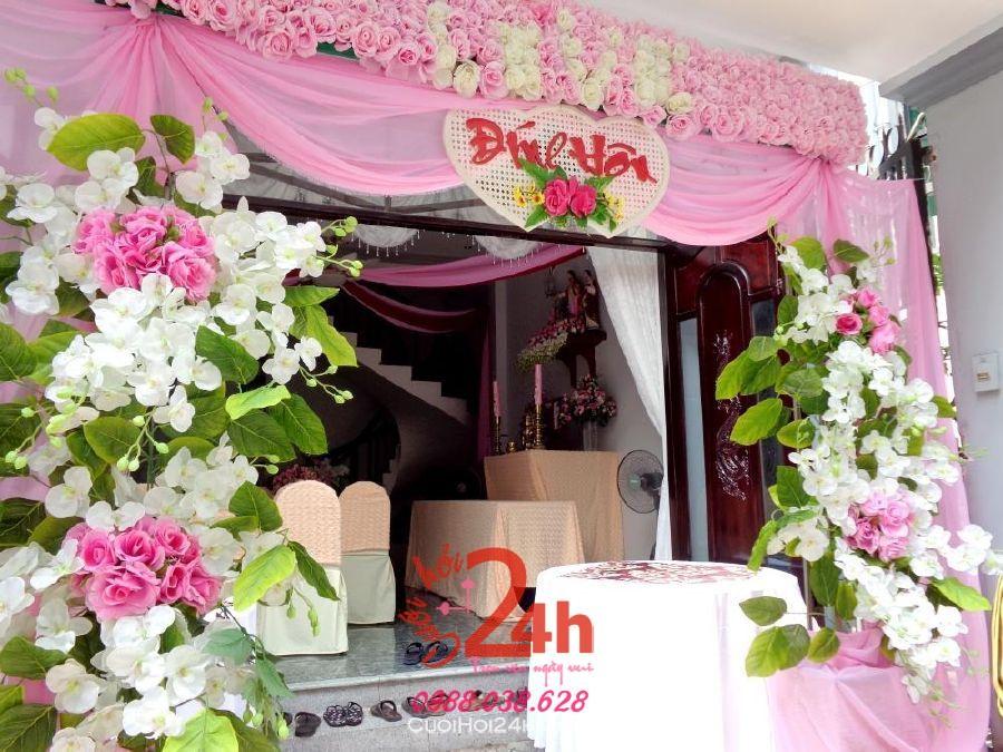 Dịch vụ cưới hỏi 24h trọn vẹn ngày vui chuyên trang trí nhà đám cưới hỏi và nhà hàng tiệc cưới | Cổng hoa vải hình chữ nhật tông hồng