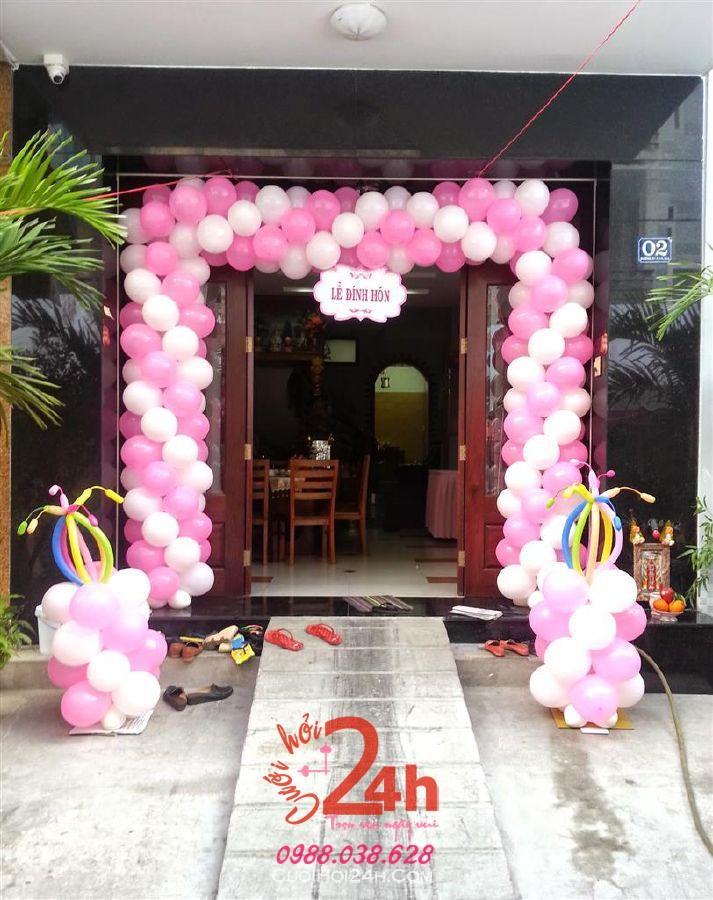 Dịch vụ cưới hỏi 24h trọn vẹn ngày vui chuyên trang trí nhà đám cưới hỏi và nhà hàng tiệc cưới | Cổng cưới bong bóng màu trắng đỏ hình chữ nhật đứng dễ thương