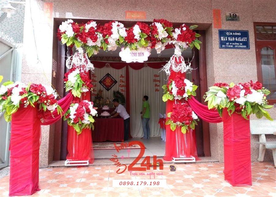 Dịch vụ cưới hỏi 24h trọn vẹn ngày vui chuyên trang trí nhà đám cưới hỏi và nhà hàng tiệc cưới | Cổng hoa lan trắng đỏ