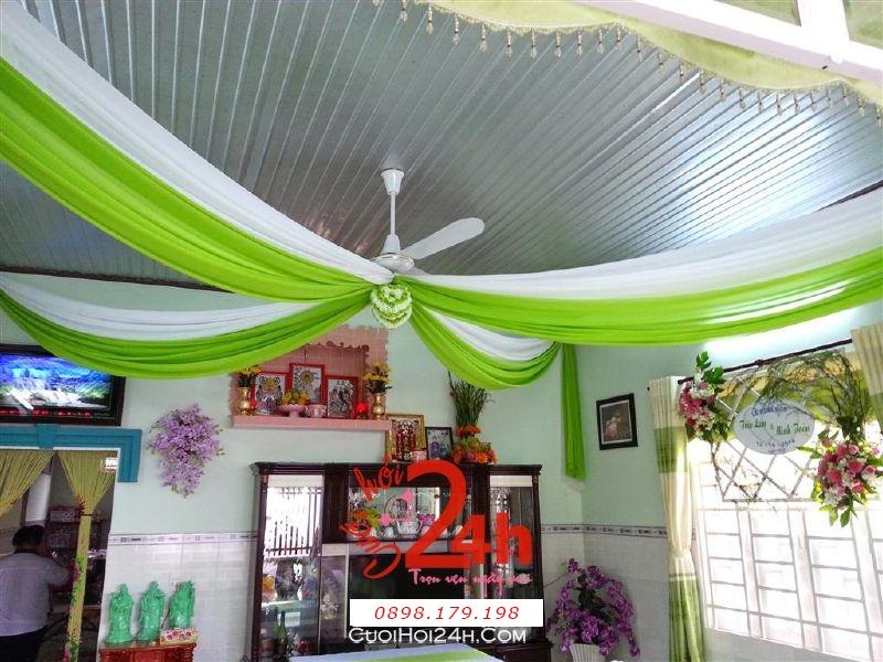 Dịch vụ cưới hỏi 24h trọn vẹn ngày vui chuyên trang trí nhà đám cưới hỏi và nhà hàng tiệc cưới | Trang trí voan trần nhà trắng xanh lá