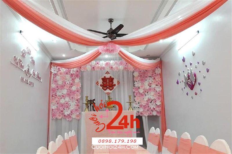 Dịch vụ cưới hỏi 24h trọn vẹn ngày vui chuyên trang trí nhà đám cưới hỏi và nhà hàng tiệc cưới | Trang trí nhà cưới hỏi tông hồng đào với hoa giấy xinh