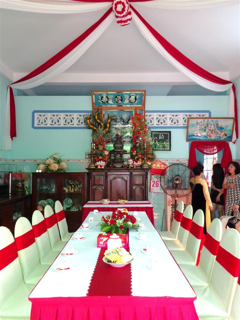 Dịch vụ cưới hỏi 24h trọn vẹn ngày vui chuyên trang trí nhà đám cưới hỏi và nhà hàng tiệc cưới | Trang trí nhà cưới hỏi tông kem và đỏ