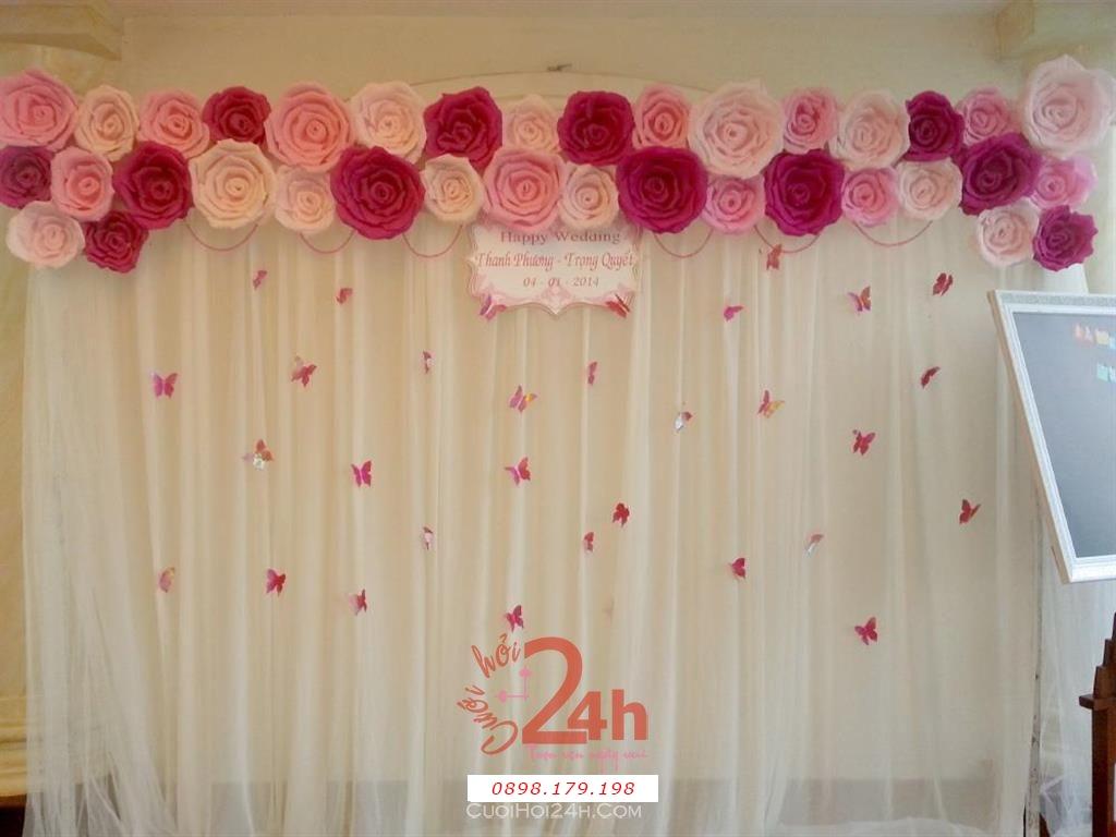 Dịch vụ cưới hỏi 24h trọn vẹn ngày vui chuyên trang trí nhà đám cưới hỏi và nhà hàng tiệc cưới | Backdrop hoa giấy và voan trắng sang trọng