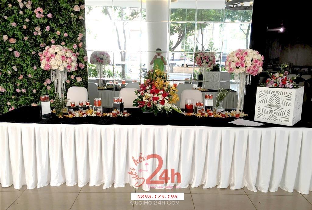 Dịch vụ cưới hỏi 24h trọn vẹn ngày vui chuyên trang trí nhà đám cưới hỏi và nhà hàng tiệc cưới | Bàn ký tên tông màu hồng cực đẹp