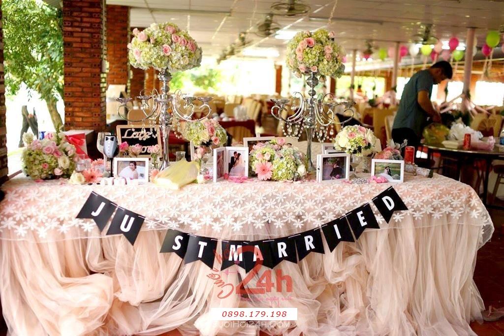 Dịch vụ cưới hỏi 24h trọn vẹn ngày vui chuyên trang trí nhà đám cưới hỏi và nhà hàng tiệc cưới | Bàn ký ten tông màu hồng pastel tươi tắn và sang trọng