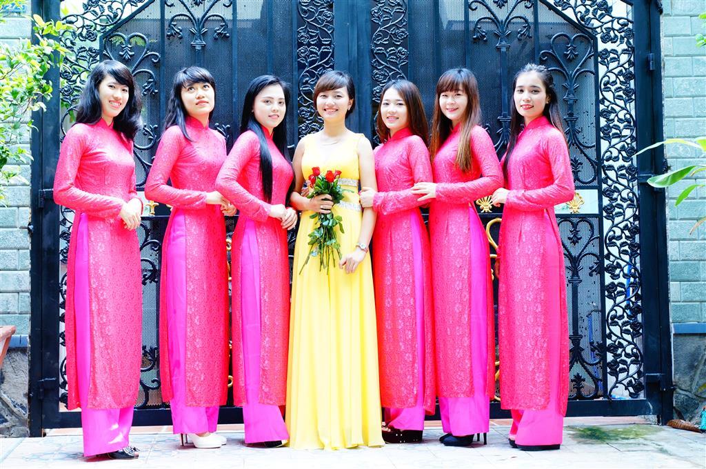 Dịch vụ cưới hỏi 24h trọn vẹn ngày vui chuyên trang trí nhà đám cưới hỏi và nhà hàng tiệc cưới | Cho thuê đội bưng mâm quả áo dài tông hồng nhẹ nhàng