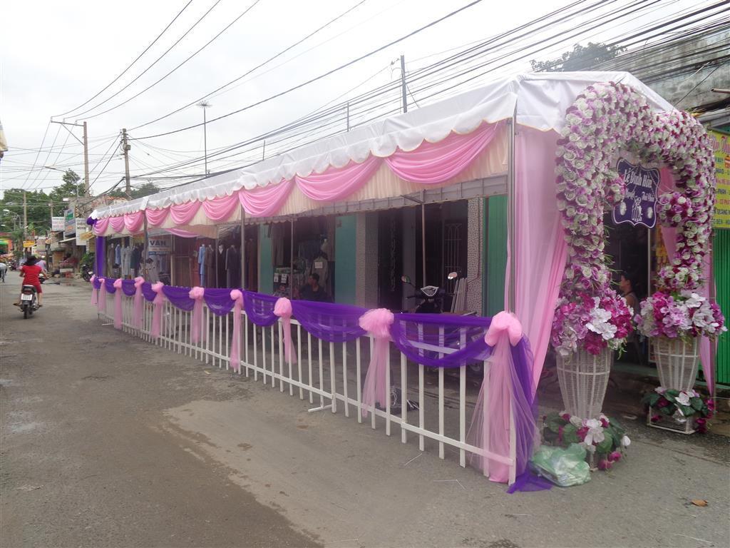 Dịch vụ cưới hỏi 24h trọn vẹn ngày vui chuyên trang trí nhà đám cưới hỏi và nhà hàng tiệc cưới | Cho thuê nhà tiệc tông hồng phấn chen voan tím dễ thương