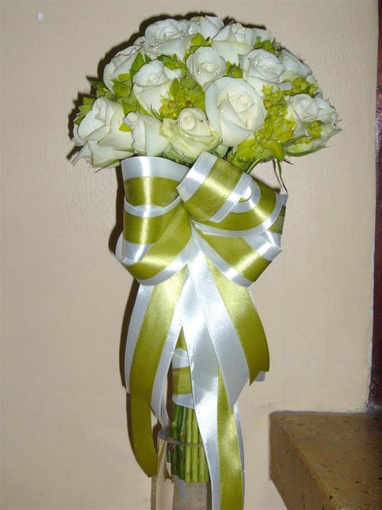 Dịch vụ cưới hỏi 24h trọn vẹn ngày vui chuyên trang trí nhà đám cưới hỏi và nhà hàng tiệc cưới | Hoa cầm tay cô dâu tông  bó tròn